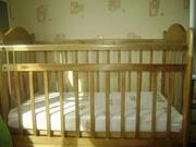 Продаю детскую кроватку-маятник